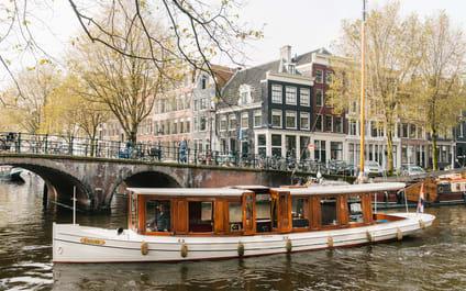 Canal boat Ondine Amsterdam