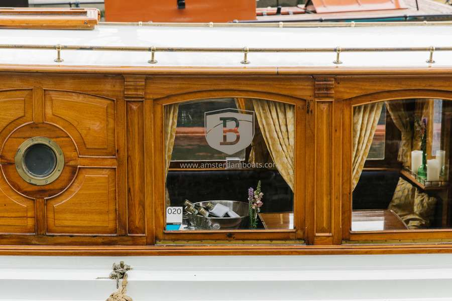 Лодка для каналов Marie Zurlohe