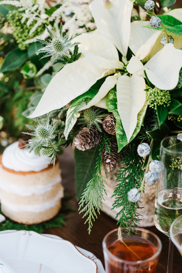 The Perfect Palette | A Holiday-Inspired Vow Renewal