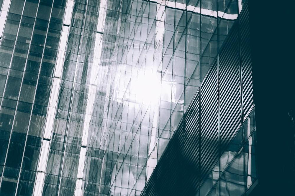 Establish a Freezone company in in the UAE - Dubai and Abu Dhabi
