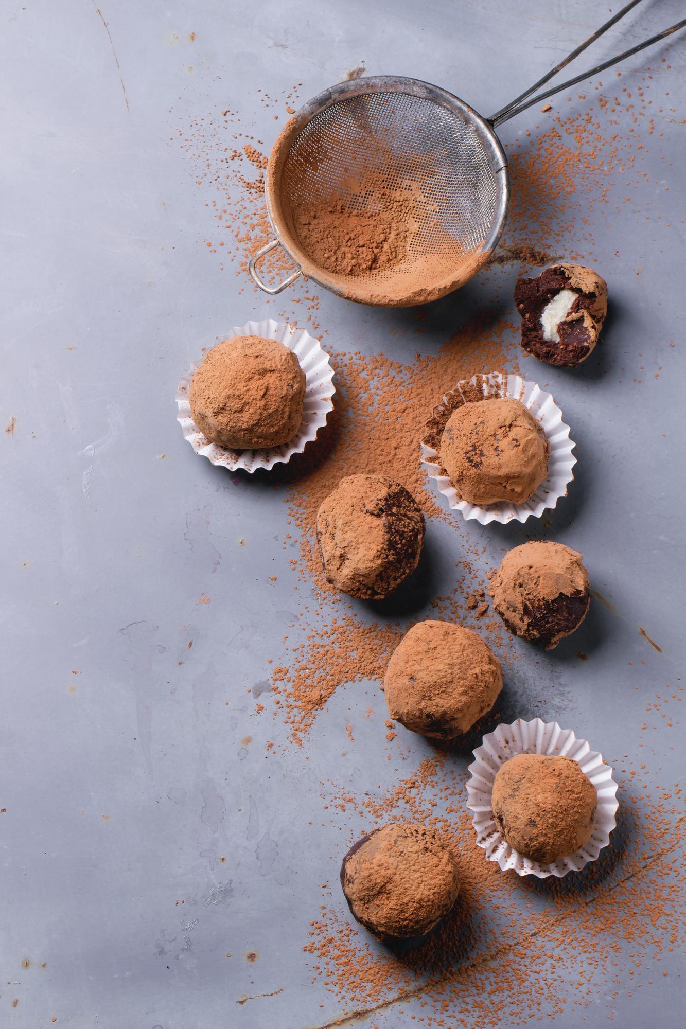 Быстро, просто и лучше, чем в магазине: как приготовить шоколадные трюфели
