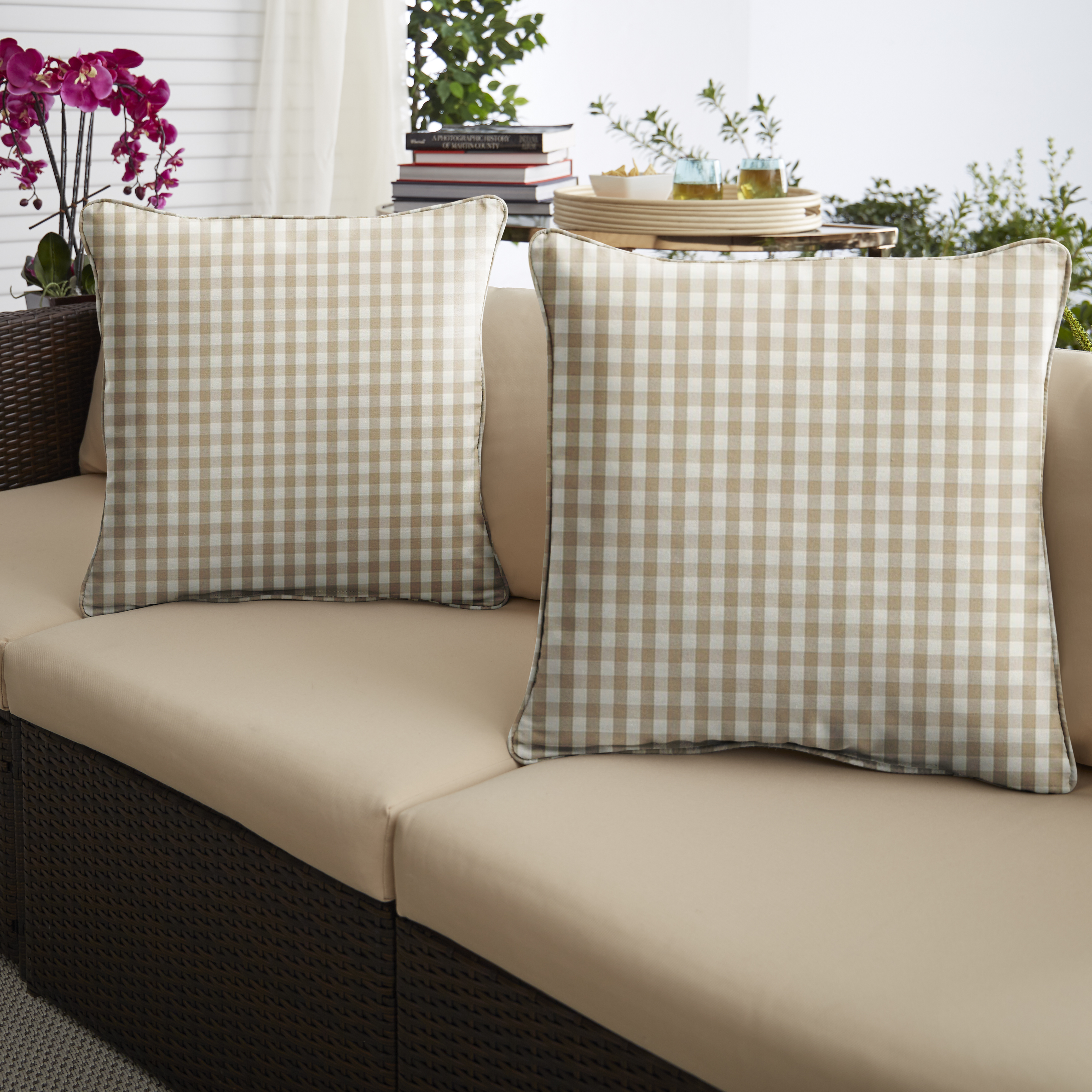 Beige/White Check Set of 2 Outdoor Pillows