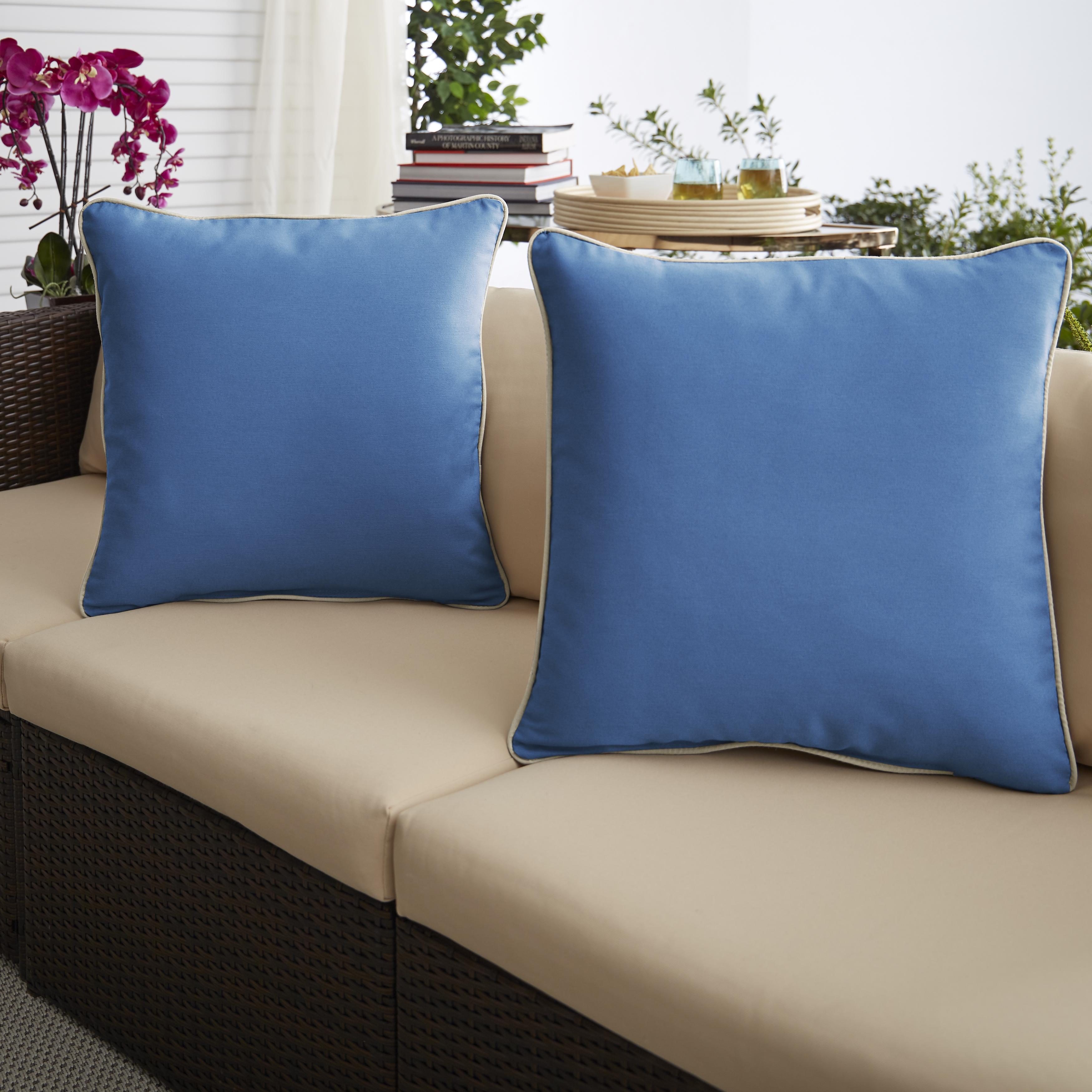 Light Blue/Ivory Set of 2 Outdoor Pillows