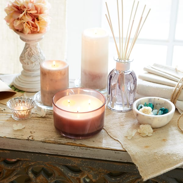 Vintage Linens Filled 3-Wick Candle