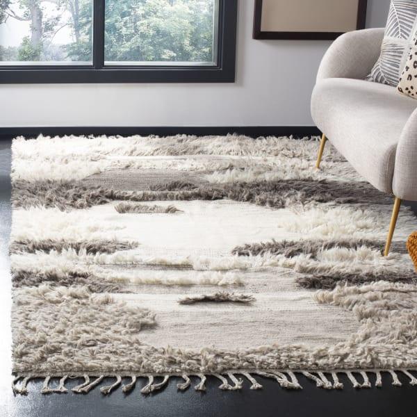 Gypsy 224 5' X 8' Ivory Wool Rug