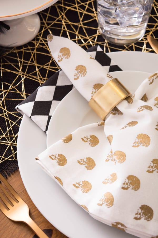 Gold Skull Print On Cream Napkin (Set of 6)