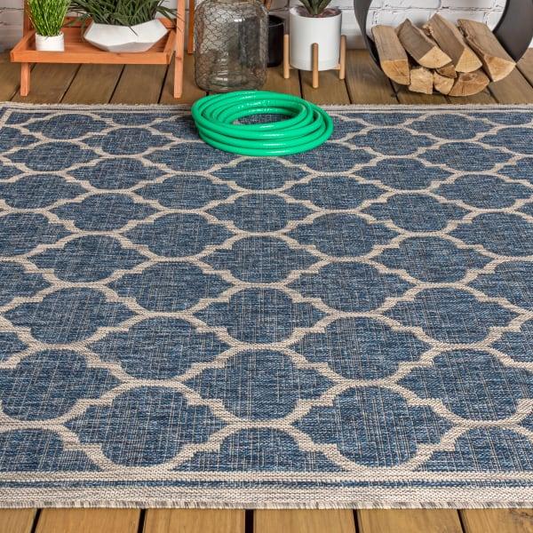 Trebol Moroccan Trellis Textured Weave Indoor/Outdoor Navy/Gray Area Rug