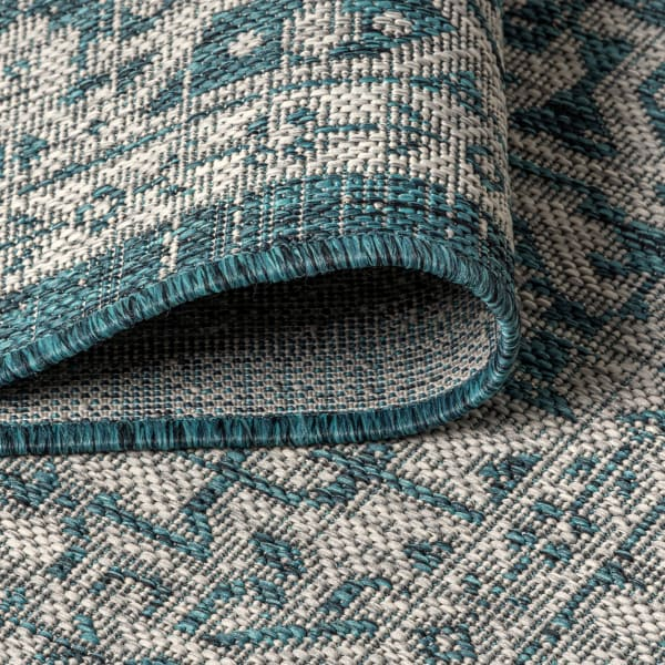 Sinjuri Medallion Textured Weave Indoor/Outdoor  Teal Blue/Gray 3 ft. x 5 ft. Area Rug