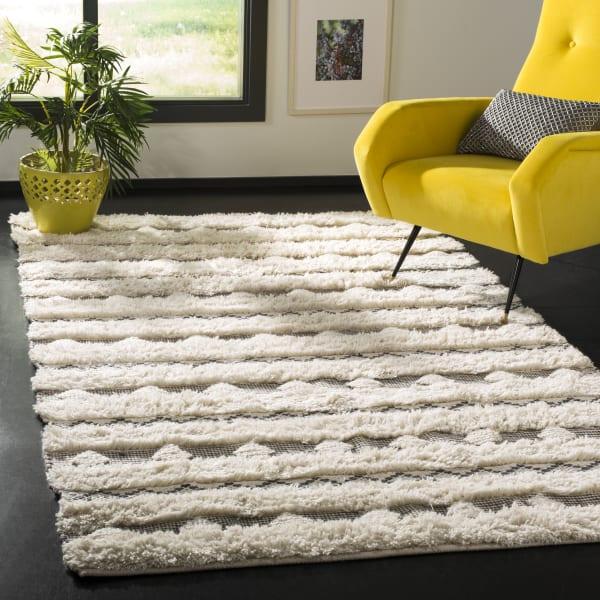 Chipley 950 8' X 10' Ivory Wool Rug