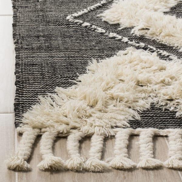 Gypsy 903 4' X 6' Black Wool Rug