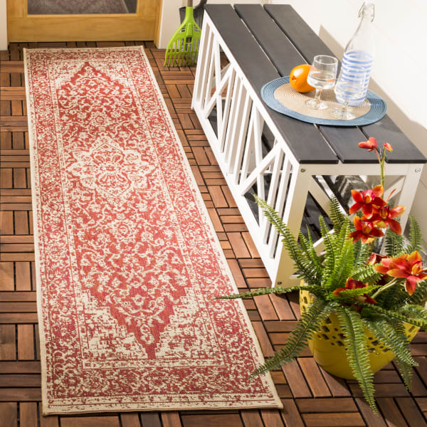 Red Polypropylene Rug 2.5' x 9'