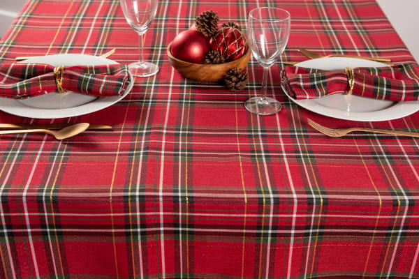 Holiday Metallic Plaid Tablecloth 60x84
