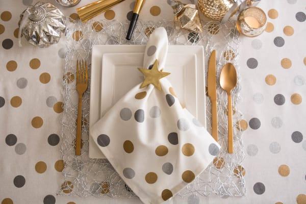 Metallic Confetti Tablecloth 60x104
