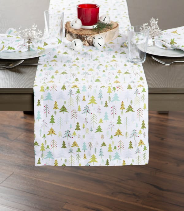Holiday Woods Printed Table Set
