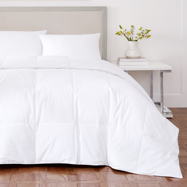 White King White Down Mediumweight Comforter