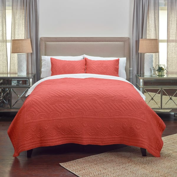 Moroccan Fling Coral  Quilt, king