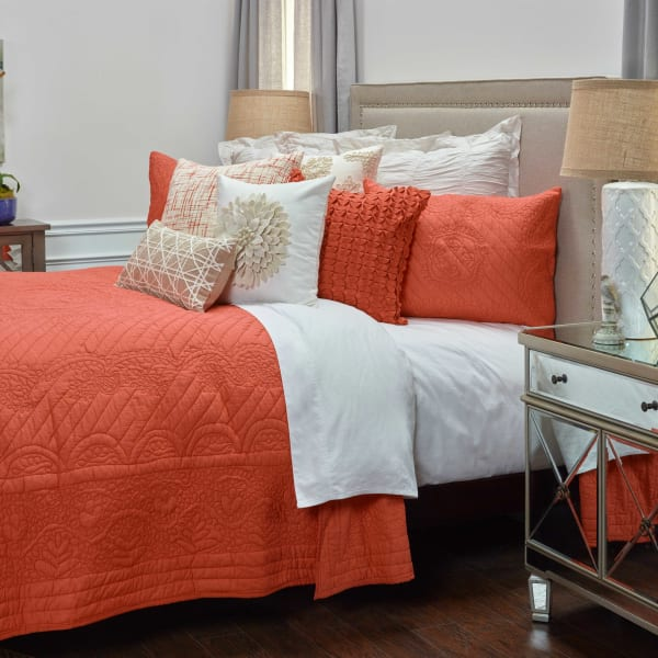 Moroccan Fling Coral Quilt, twin