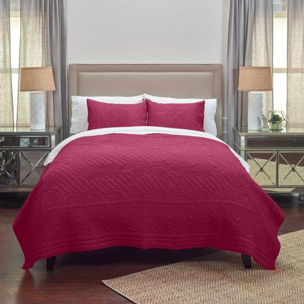 Moroccan Fling Red Quilt, queen