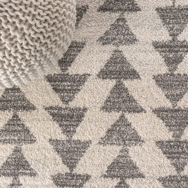 Moroccan Triangle Geometric  Cream/Gray Area Rug