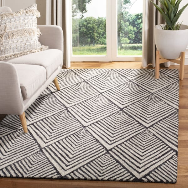 Essence Black Wool Rug 6' x 9'