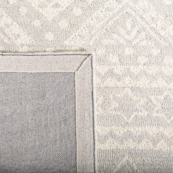 Essence Gray Wool Rug 2'25