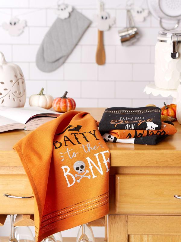 Halloween Happy Haunting Wicked Treats, Spooky Sayings Printed Dishtowels Set of 4