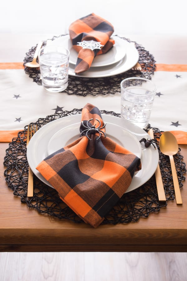 Black Woven Paper Round Placemat (Set of 6)