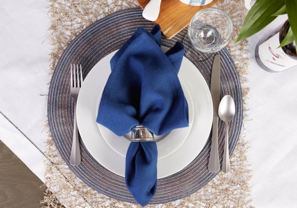 Variegated Blue Round Polypropylene Woven Placemat (Set of 6)