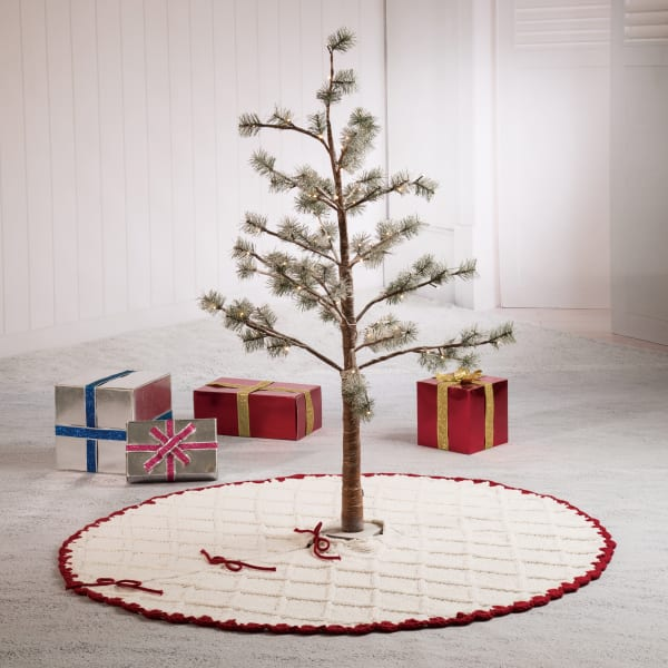 White Knit Tree Skirt with Red Trim