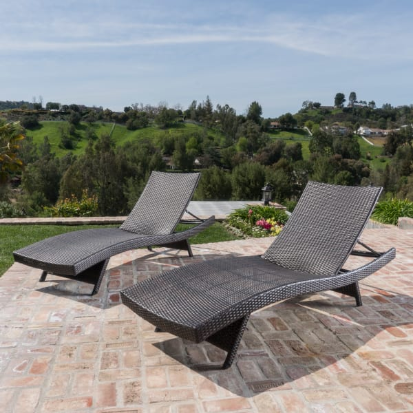 Carlsbad Brown Wicker Chaise Lounge with Cover Set of 2