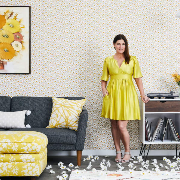 Novogratz Daisies Self-Adhesive Removable Wallpaper