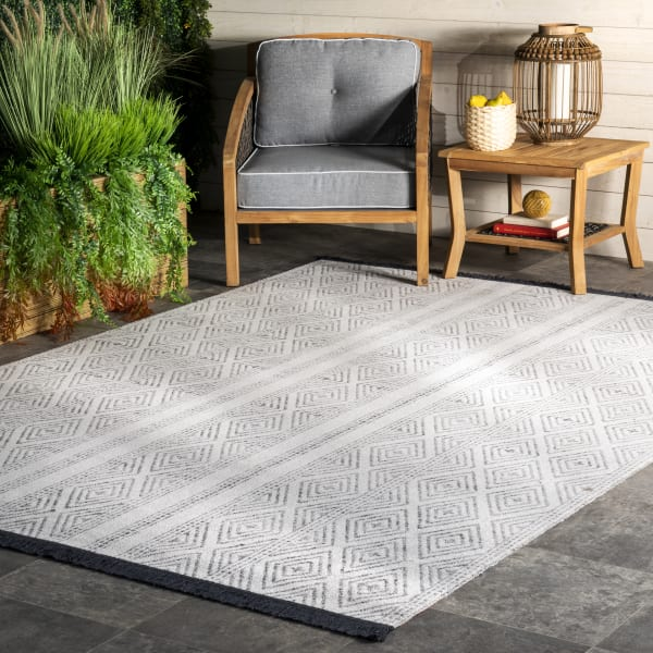 Outdoor Striped Miriam 5' x 8' Gray Rug