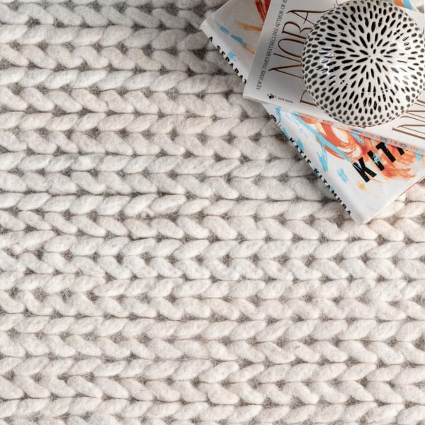 Hand Woven Chunky Woolen Cable 5' x 8' Off White Wool and Cotton Rug