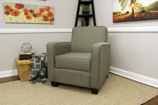 Quartz Track Arm Lounge Chair