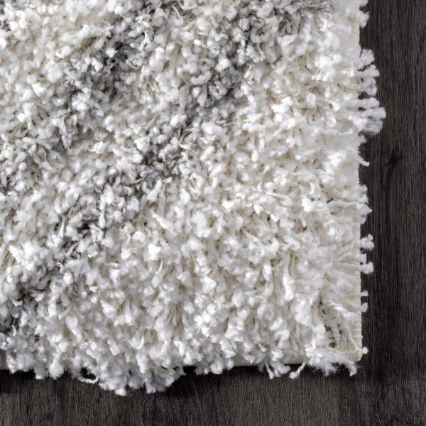 Iola Easy Shag 8' x 10' White Rug