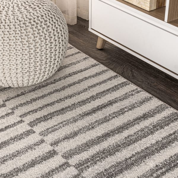 Offset Stripe Gray/Cream 3' x 5' Area Rug