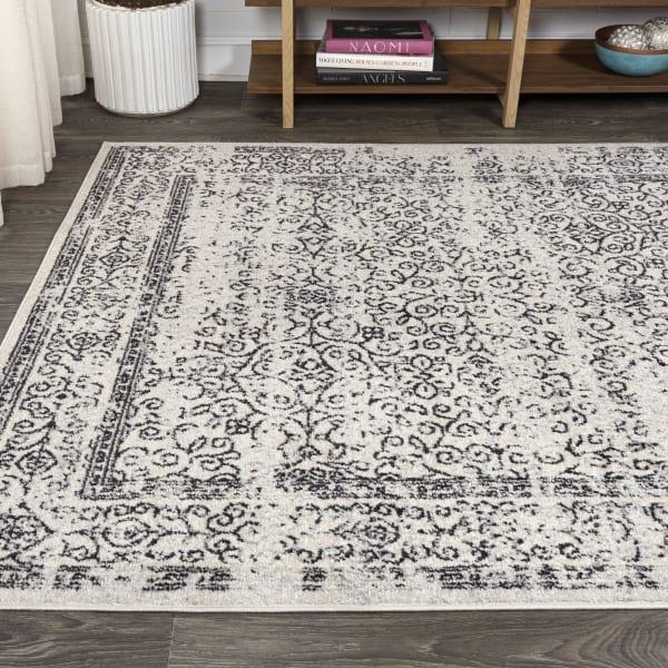 Filigree Charcoal Black and White Gray/Black 4' x 6' Area Rug
