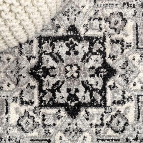 Inigo Black and White Cottage Medallion Dark Gray/Cream 5' x 8' Area Rug