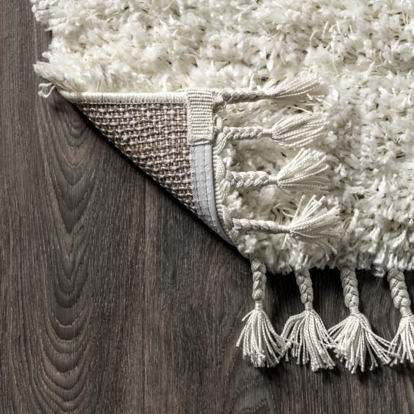 Shag Plush Tassel White 4' x 6' Area Rug