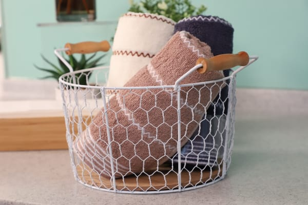 Chicken Wire with Wood Look Base with Handles Basket