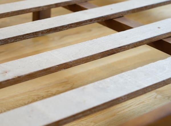 Posh Pollen Queen Pine Platform Bed
