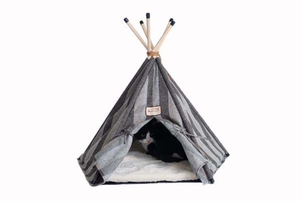 Teepee Style with Striped Pattern Cat Bed