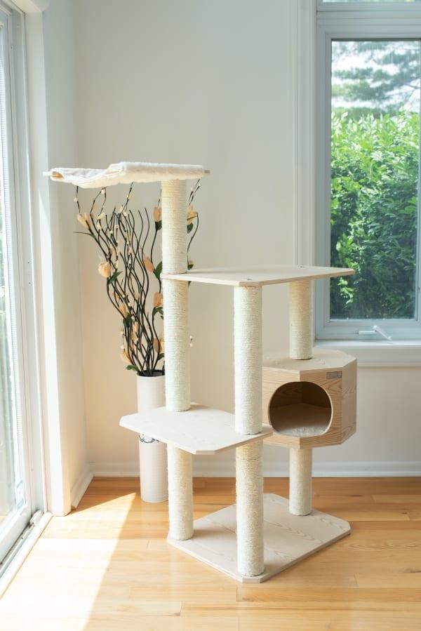 Premium Pinus Sylvestris Solid Wood Cat Tree