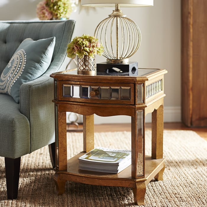 Crisanto Mirrored End Table