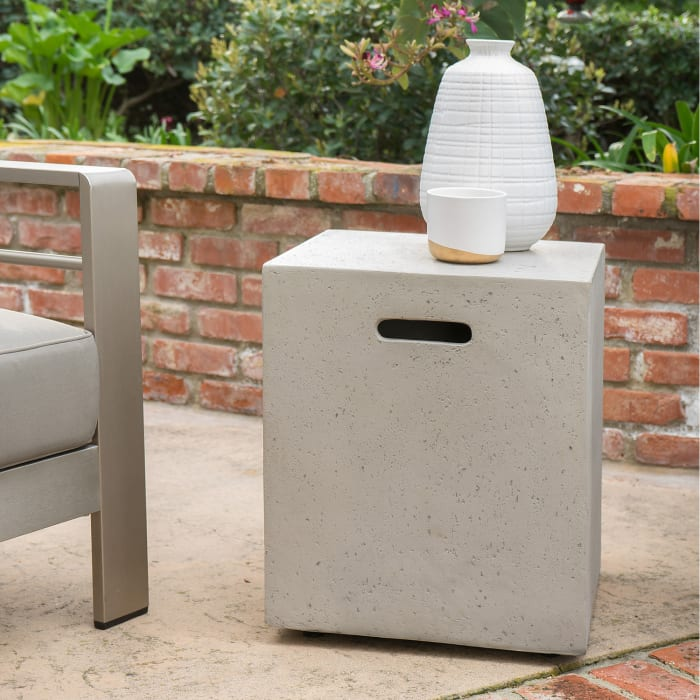 Outdoor 5-Piece Khaki Set with Light Gray Fire Table