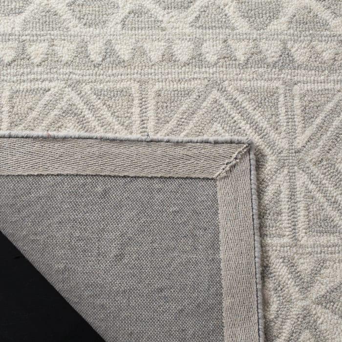 Morgan 113 4' X 6' Silver Wool Rug