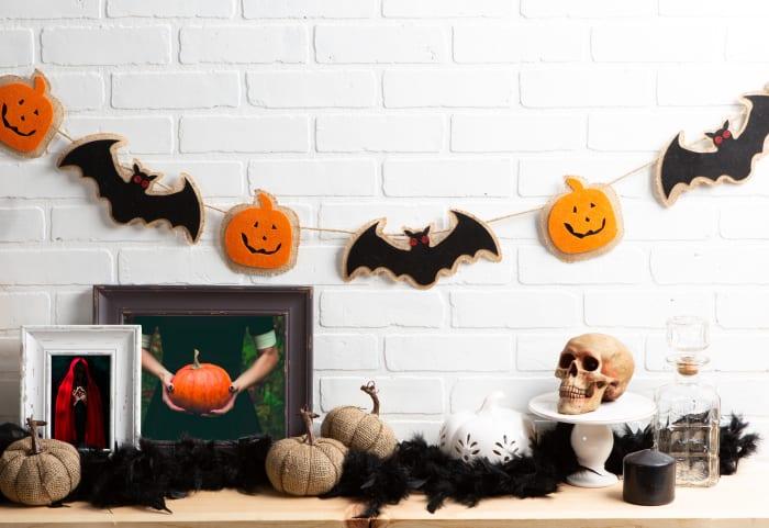 Bat And Pumpkin Garland
