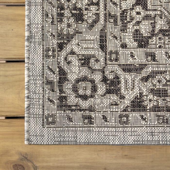 Boho Medallion Textured Weave Indoor/Outdoor Gray/Black Runner Rug