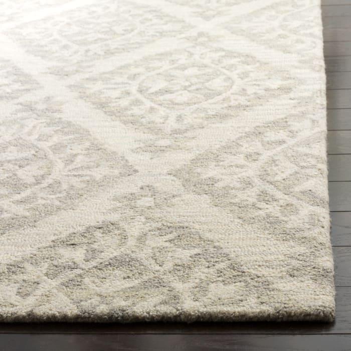 Essence 210 5' X 8' Gray Wool Rug