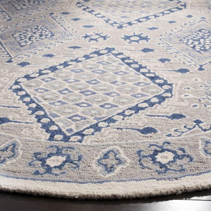 Essence 511 4' X 6' Gray Wool Rug